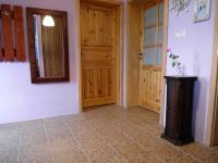 vstupní chodba do domu (Prodej domu v osobním vlastnictví 180 m², Královice)