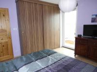 vchod na balkón (Prodej domu v osobním vlastnictví 180 m², Královice)
