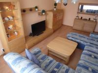 obývací pokoj - sedací souprava součástí prodeje (Prodej bytu 4+1 v družstevním vlastnictví 89 m², Chomutov)