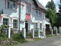 pohled z ulice  - Prodej domu v osobním vlastnictví 400 m², Vejprty
