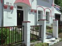 vstup do domu z ulice  (Prodej domu v osobním vlastnictví 400 m², Vejprty)