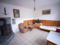 samostatný pokoj přízemí  (Prodej domu v osobním vlastnictví 400 m², Vejprty)