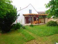 pohled na pergolu ze zahrady (Prodej domu v osobním vlastnictví 100 m², Žatec)