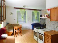 kuchyně s jídelním koutem (Prodej domu v osobním vlastnictví 100 m², Žatec)