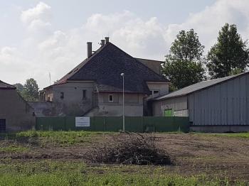 celkový pohled - čelní  - Prodej komerčního objektu 3093 m², Chlumčany