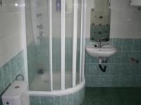 1. koupelna  - Prodej komerčního objektu 3093 m², Chlumčany