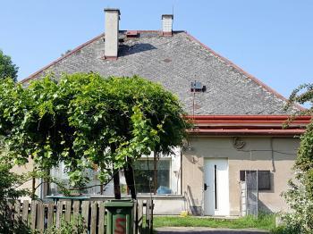 Prodej komerčního objektu 3693 m², Žatec