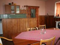 kuchyně s obývacím pokojem  - Prodej komerčního objektu 3093 m², Chlumčany