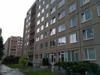 Dům - přední pohled (Prodej bytu 3+1 v družstevním vlastnictví 71 m², Praha 5 - Stodůlky)