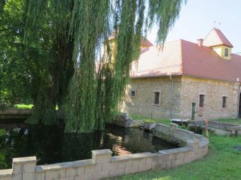 Prodej zemědělského objektu 2980 m², Libořice