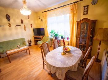 obývací pokoj - 1.patro - Prodej komerčního objektu 871 m², Vejprty