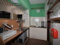 Prostor u výčepu (Prodej domu v osobním vlastnictví 275 m², Krásný Dvůr)