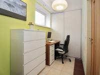 pracovní kout (Prodej bytu 3+kk v osobním vlastnictví 72 m², Praha 5 - Motol)