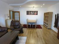 Obývací pokoj - Pronájem bytu 3+1 v osobním vlastnictví 140 m², Kadaň