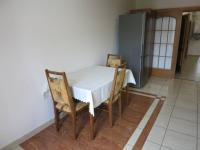 Kuchyňský kout s lednicí - Pronájem bytu 3+1 v osobním vlastnictví 140 m², Kadaň