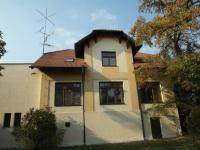 čelní pohled na dům - Pronájem kancelářských prostor 38 m², Chomutov