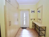 Vstupní chodba - Prodej domu v osobním vlastnictví 156 m², Staňkovice