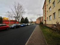 Dům stojí v klidné ulici - Prodej bytu 3+1 v osobním vlastnictví 62 m², Žatec