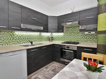 prostorná kuchyň - Prodej bytu 3+1 v osobním vlastnictví 62 m², Žatec