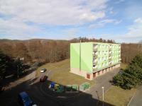 výhled z lodžie - Prodej bytu 2+1 v osobním vlastnictví 60 m², Chomutov