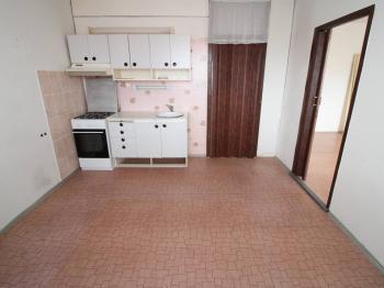 kuchyň - Prodej bytu 1+1 v družstevním vlastnictví 38 m², Jirkov