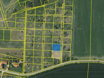 Prodej pozemku 966 m², Lešany