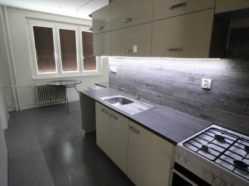 kuchyně - Prodej bytu 4+1 v osobním vlastnictví 77 m², Jirkov