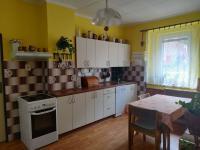 1.NP - kuchyň  - Prodej domu v osobním vlastnictví 185 m², Hřivice