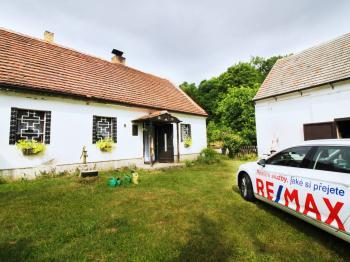 Prodej domu v osobním vlastnictví 90 m², Vroutek