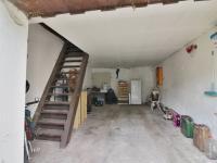 Garáž - Prodej domu v osobním vlastnictví 90 m², Vroutek