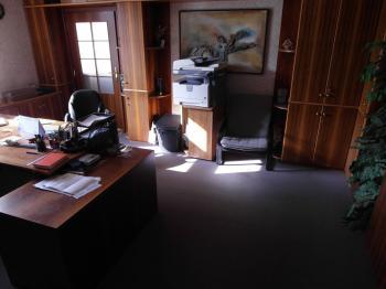 prostor kanceláře - Pronájem kancelářských prostor 22 m², Chomutov