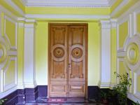 vstup do zámku (Prodej historického objektu 1200 m², Petrovice)