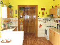 byt 1 - kuchyň (Prodej historického objektu 1200 m², Petrovice)