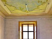 sál s freskou (Prodej historického objektu 1200 m², Petrovice)
