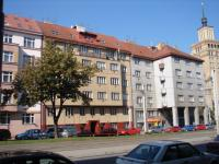 uliční pohled (Prodej bytu 4+kk v osobním vlastnictví 100 m², Praha 6 - Dejvice)