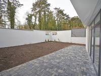 Zahrada u domu. (Prodej kancelářských prostor 230 m², Lysá nad Labem)