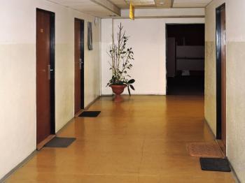 chodba - Pronájem kancelářských prostor 25 m², Praha 5 - Hlubočepy