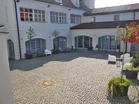 pohled na recepci (Pronájem bytu 2+1 v osobním vlastnictví 80 m², Praha 5 - Smíchov)