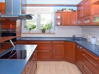 kuchyň (Prodej domu v osobním vlastnictví 273 m², Pardubice)