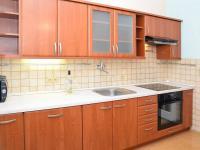 kuchyň (Prodej bytu 3+1 v osobním vlastnictví 68 m², Praha 8 - Kobylisy)