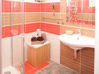 koupelna (Prodej bytu 3+1 v osobním vlastnictví 68 m², Praha 8 - Kobylisy)