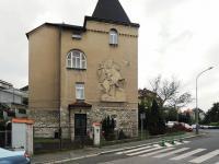 vchod do domu (Pronájem kancelářských prostor 105 m², Praha 4 - Podolí)