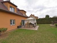 Prodej domu v osobním vlastnictví 240 m², Šestajovice