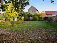Krásná zahrada za domem, s maximální soukromí.  (Prodej domu v osobním vlastnictví 118 m², Brázdim)