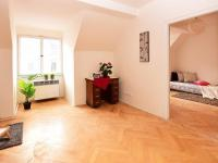 poled do pokojů (Prodej bytu 2+1 v osobním vlastnictví 47 m², Praha 10 - Vršovice)