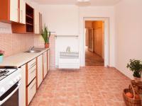 pohled do předsíně (Prodej bytu 2+1 v osobním vlastnictví 47 m², Praha 10 - Vršovice)