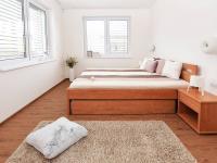 Ložnice. - Prodej domu v osobním vlastnictví 107 m², Praha 9 - Újezd nad Lesy