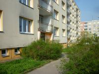 zadní strana domu - Pronájem bytu 2+1 v osobním vlastnictví 58 m², Praha 4 - Kamýk