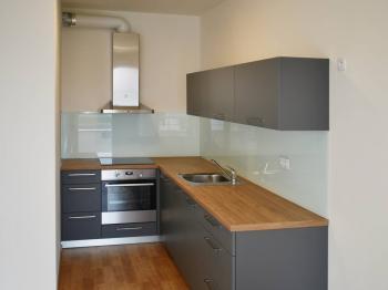 kuchyňský kout - Pronájem bytu 2+kk v osobním vlastnictví 48 m², Praha 9 - Letňany