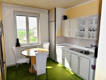 kuchyň - Prodej bytu 3+1 v osobním vlastnictví 72 m², Řečany nad Labem